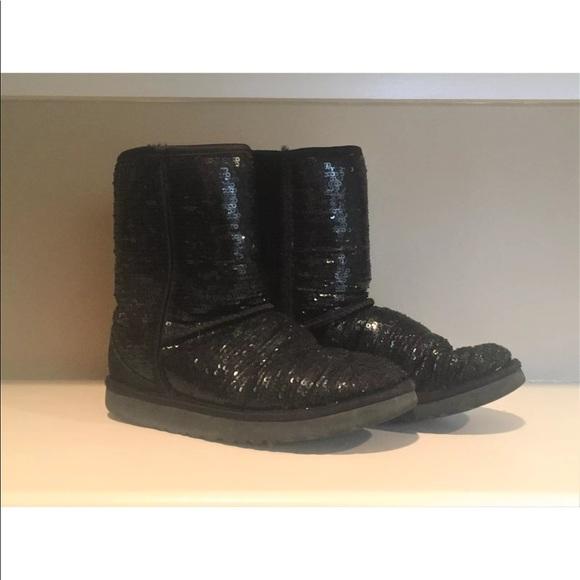 37c126ab6 UGG Classic Short Boots Black Sparkle Size 7. M_5a6376daa44dbeceab522617